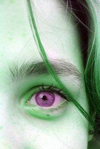 wrong coloured eye