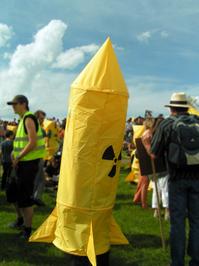 manifestation against nuclear missile 1