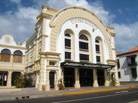 Teatros y palacios