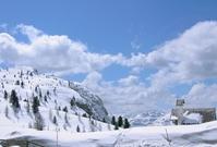 winter in the dolomite alps