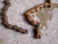 broken chain little bit rusty
