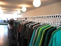 Loja de roupas (arara)