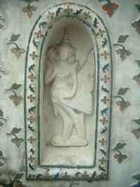 Wat Arun Statues 1
