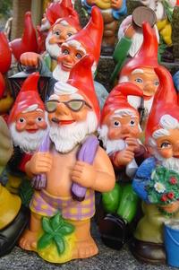 garden dwarfes 2