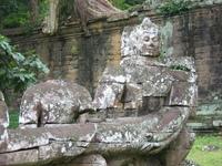 Gate of Angkor Thom 2