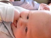 Baby smiling, bebe riendo