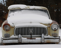 old_car_in_snow