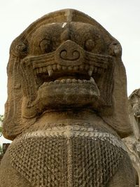 Khmer statues 4