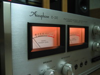 Accuphase E-202 1