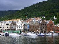 Briggen: sea and green mountai