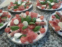 Prosciutto caprese salad 5