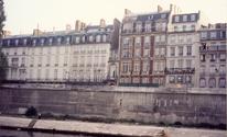 Smallest house in paris