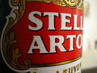 Macro of Stella Artoa