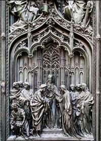 Details of Milano's Duomo door 3