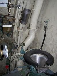 Submarine boat / toilet