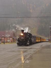 Train's a comin
