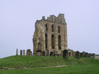 Tynemouth Priory, Graves and surroundings