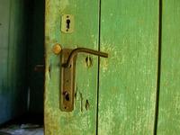 lock the door 3
