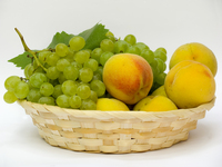 Green grapes and peach