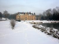 Chateau d'Esclimont under the snow