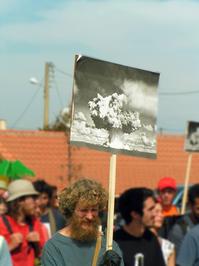 Manisfestation against missile 2