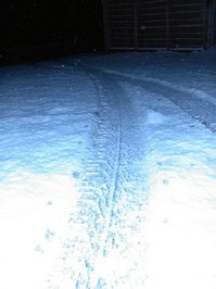 000 Snowy Tyre Tracks (Minolta