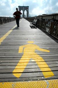 footpath sign brooklyn bridge