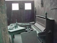 Artist's room in steel 1