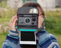 Making photo by instant camera 1