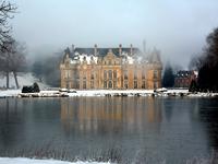 Chateau d'Esclimont under the snow 7
