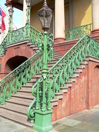 market steps
