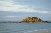 small_island_near_the_beach