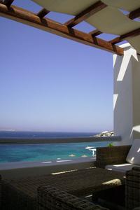 Vista desde la villa, el Ejeo con la isla sagrada de Delos en el horizonte