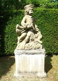 little statues