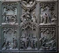 Details of Milano's Duomo door 1