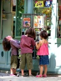 Children at the vending machine 2