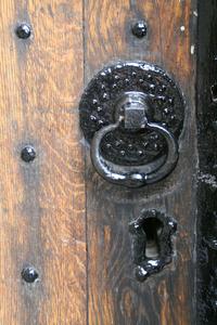 Big keyhole