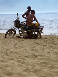 Motociclistas playeros