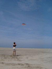 kite on the empthy beach 2