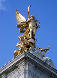 Buckingham Palace (Queen Victoria statue)