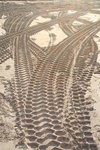 digger tracks rotterdam
