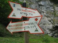 Route Signs in Piatra Craiului