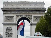 Arc-de-Triomphe&Taxi