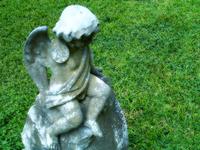 """""""""""嗳!"""" 」应龙发出长长的吟声来控制风雨,站在前头面向那可怕的巨神。"""